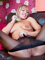 Scottish blonde with a pantyhose kink